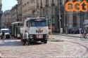 """Un bus della linea 73 si guasta in piazza Missori e non c'è verso di farlo ripartire nonostante l'intervento della squadra dell'assistenza di linea: così arriva il """"mammut"""", l'imponente 9907 per il traino. (25-04-'18)"""