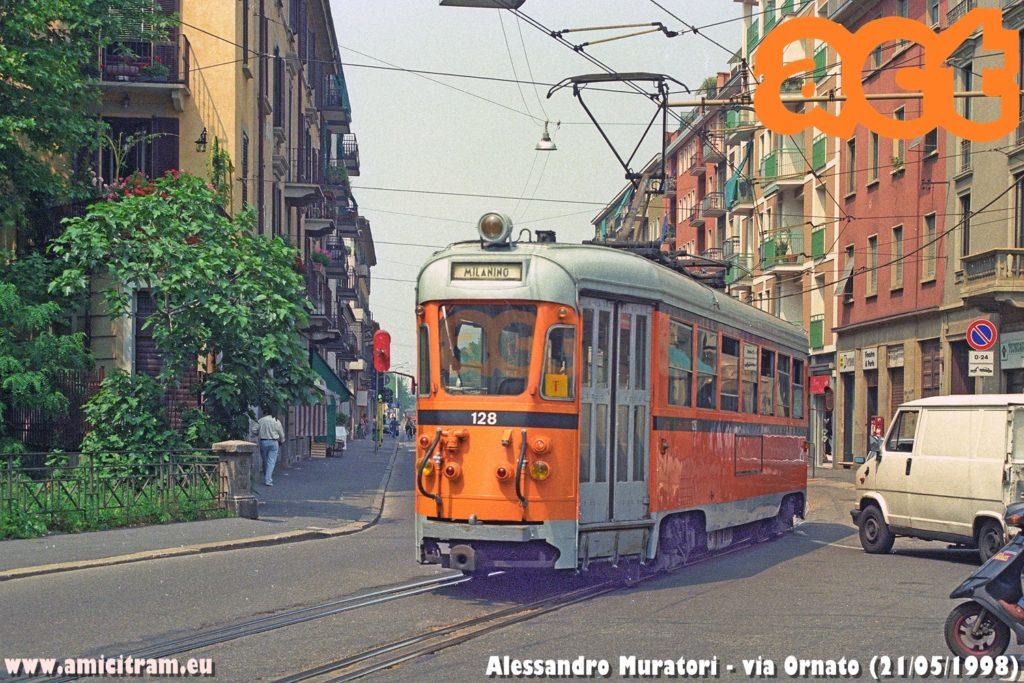 Littorina 128 ATM (Stanga/TIBB 1942) sul tratto a binari compenetrati in via Ornato a Milano, il 21 maggio 1998. Foto Alessandro Muratori