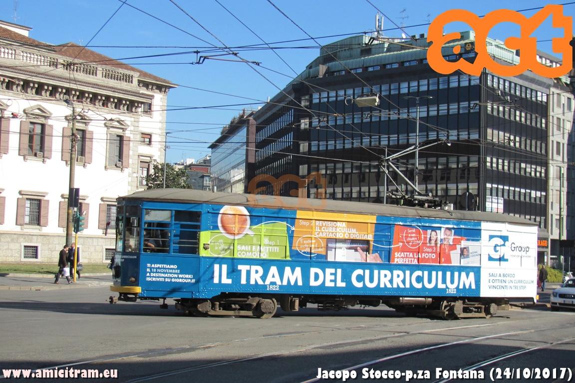 Sali a bordo del tram del curriculum