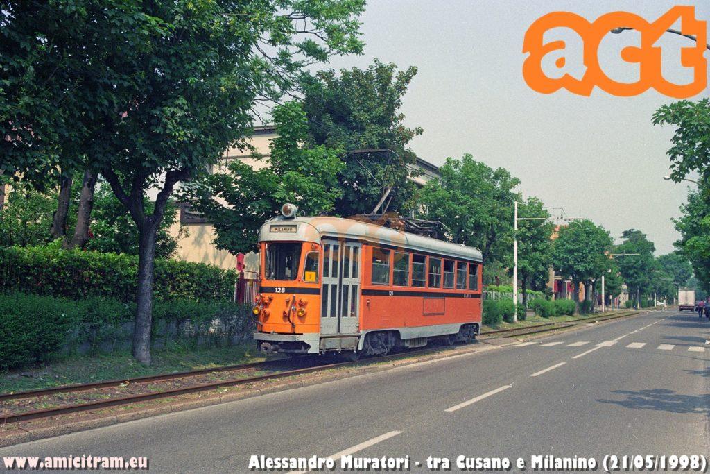 Tram extraurbano ATM 128 (Stanga/TIBB del 1942) sulla diramazione Cusano-Milanino il 21 maggio 1998. Foto Alessandro Muratori