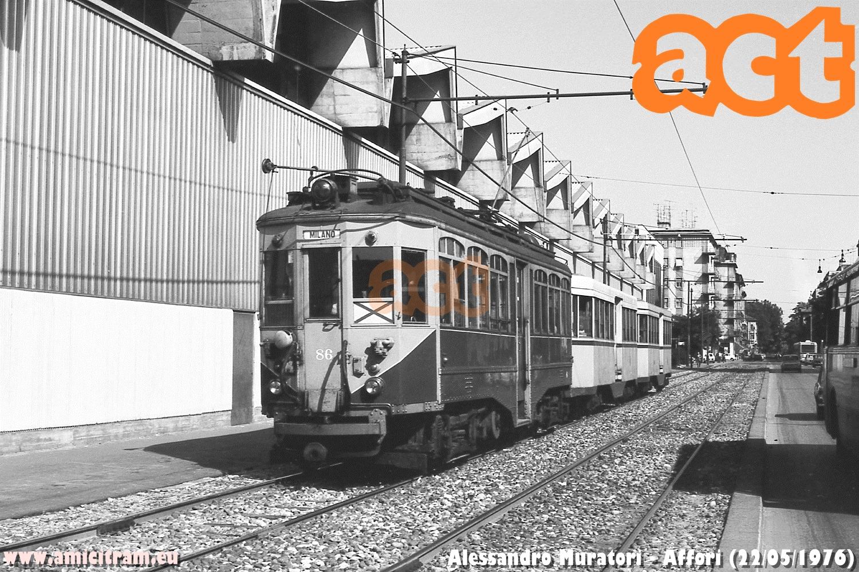 Tram Limbiate-Milano con la 86 ATM, in via Pellegrino Rossi presso Affori. 22 maggio 1976 Foto Alessandro Muratori