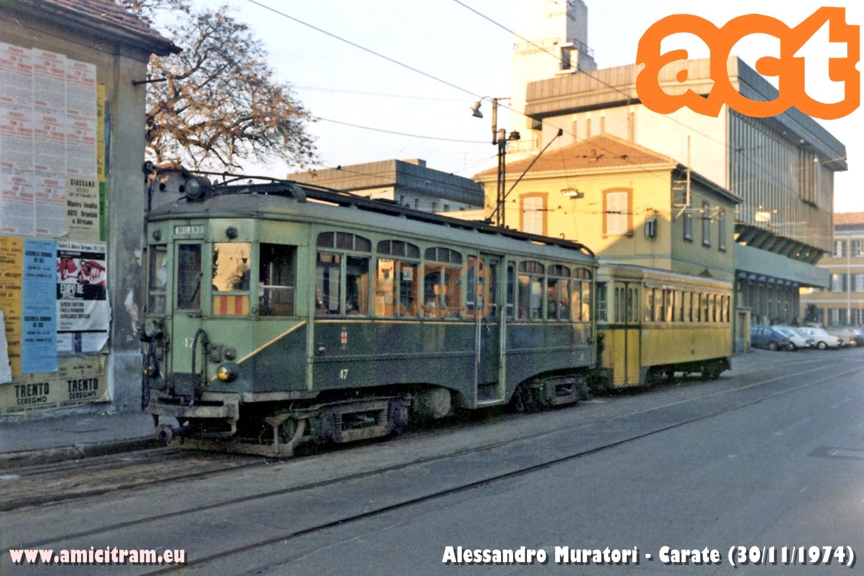 Interurbano Carate-Milano via Valtellina, con 47 ACT e rimorchio. 30 novembre 1974 Foto Alessandro Muratori